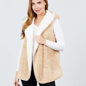 Jackets & Blazers - LAST ONE☝️Warm cozy soft teddy fur reversible vest